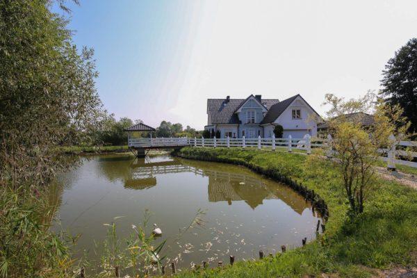 niezwykła nieruchomość 600x400 - Dom wolnostojący, 5 pokoi, 214 m2 - Grubsko, k. Nowego Tomyśla