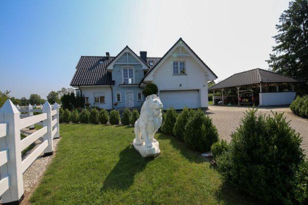 niezwykły dom 600x400 - Dom wolnostojący, 5 pokoi, 214 m2 - Grubsko, k. Nowego Tomyśla