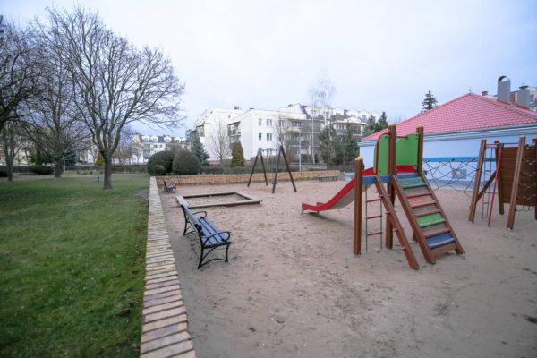 inwestycyjne mieszkanie na sprzedaż murowana goślina 600x400 - 4 pokoje, 4 piętro - Murowana Goślina, ul. Długa