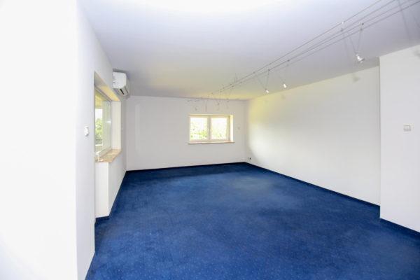 dom w luboniu 600x400 - Dom wolnostojący, 7 pokoi, 329 m2 - Luboń, ul. 11 Listopada