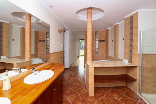 nieruchomość dom na sprzedaż luboń 600x400 - Dom wolnostojący, 7 pokoi, 329 m2 - Luboń, ul. 11 Listopada